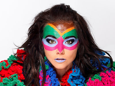 Bjork lookin' good!